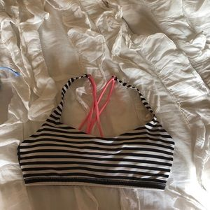 lululemon athletica Tops - Lululemon free to be bra size 6